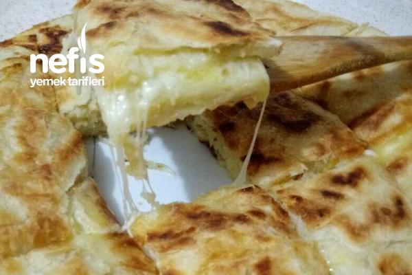 Pratik Tavada Peynirli Börek (Yumuşacık) Tarifi