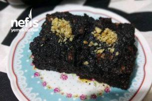 Sırılsıklam Bol Çikolatalı Islak Kek (Sosunda Yumurta Yok) Tarifi