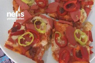 Muhteşem Çok Pratik Bayat Ekmek Pizzası Tarifi