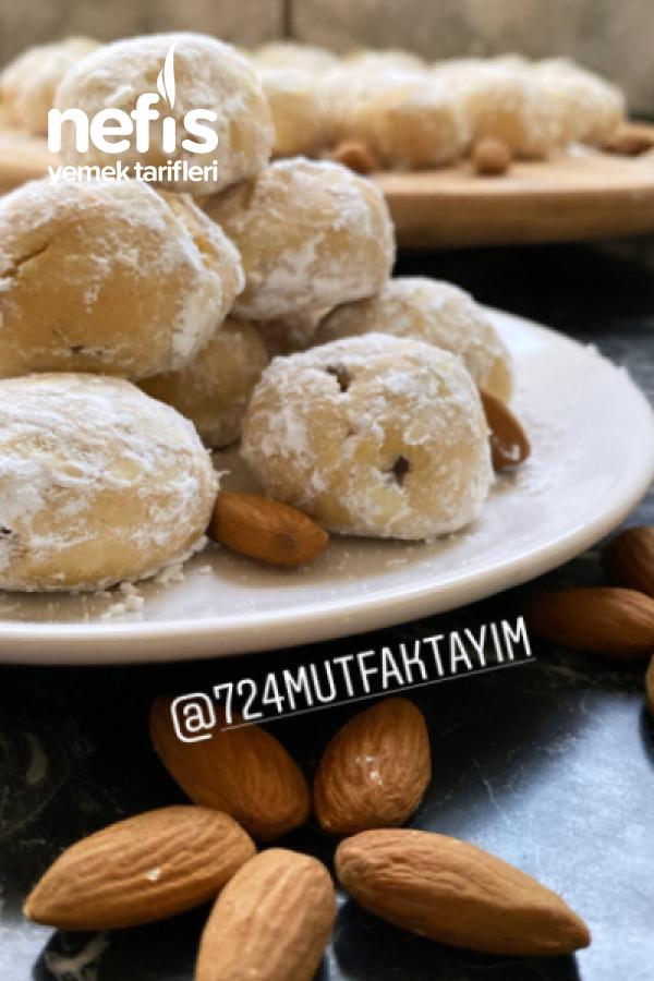 lezzet bombasi kavrulmis un ile Badem Kurabiyesi