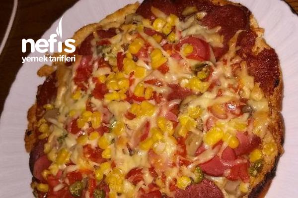 Ev Yapımı Lezzetli Mi Lezzetli Pizza Tarifi
