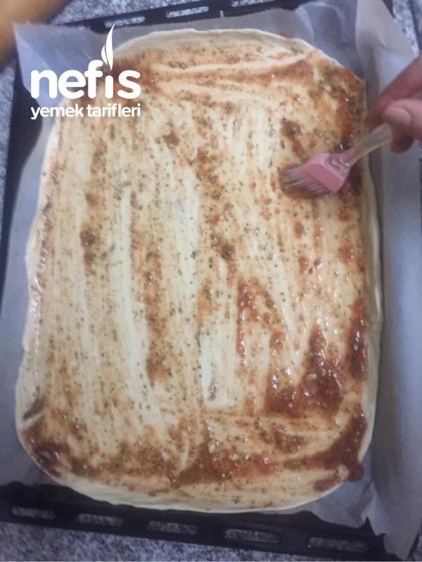 Mis Gibi Ev Pizzası