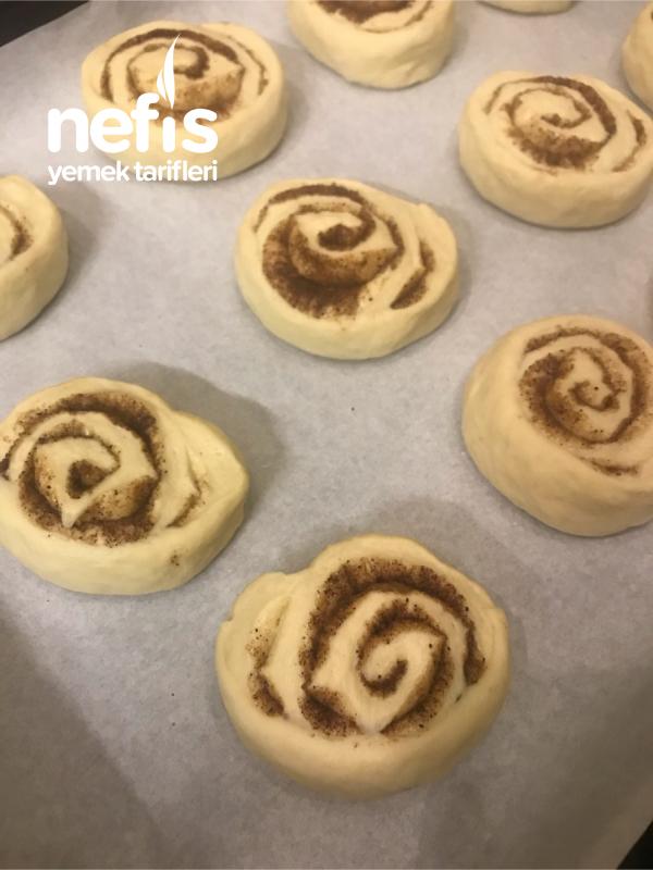 Yumuşacık Tarçınlı Çörek (Cınnamon Roll)