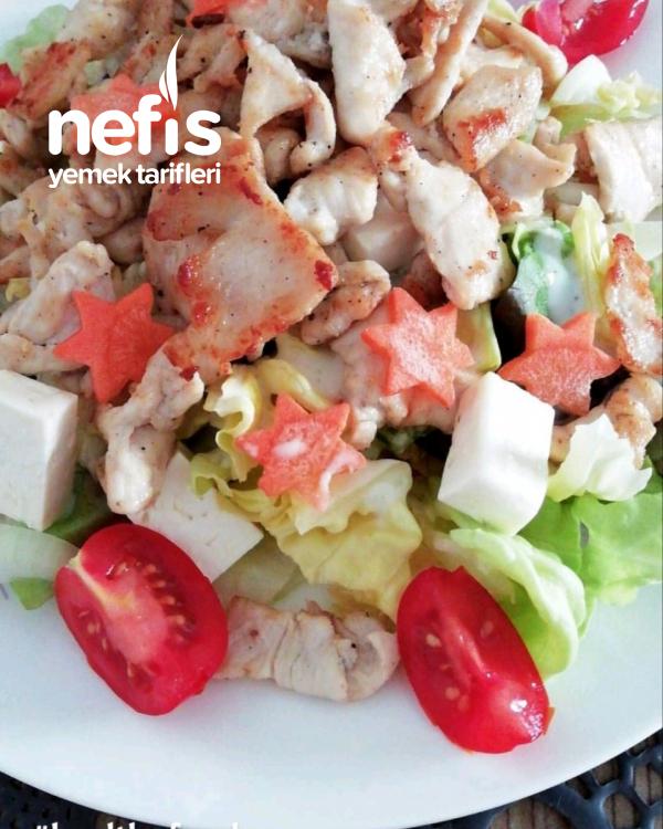 Nefis Tavuklu Light Peynirli Salata