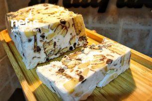 Halleyli Kolay Pasta (5-10 Dakika Pastası) Tarifi