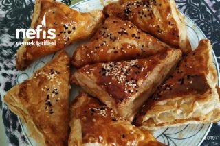 (Kahvaltılık Çabuk Pişen) Sucuklu Milföy Böreği Tarifi