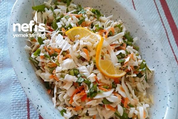 Rokalı Lahana Salatası Tarifi