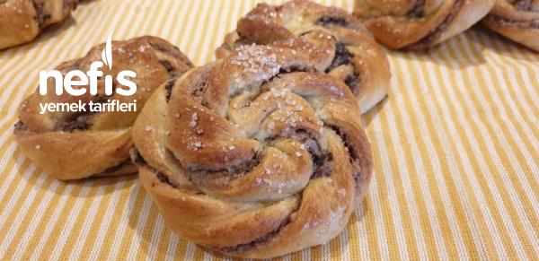 Tarçınlı Badem Ezmesi Çörek