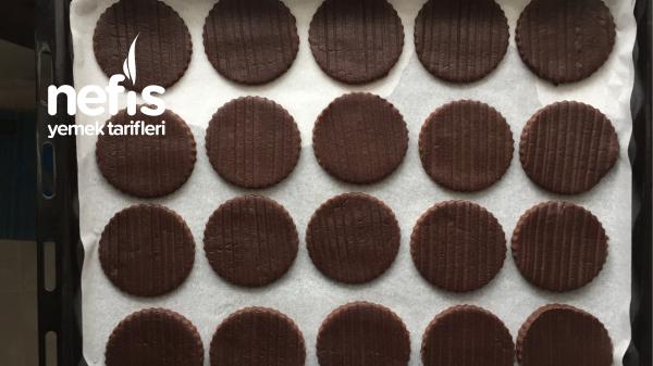 Teremyağlı Tarçınlı Çikolatalı Sandviç Ev Bisküvisi