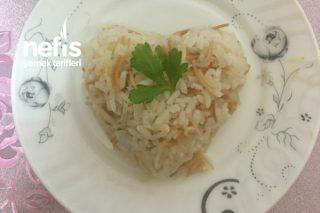 Tane Tane Tam Kıvamında Pirinç Pilavı Tarifi