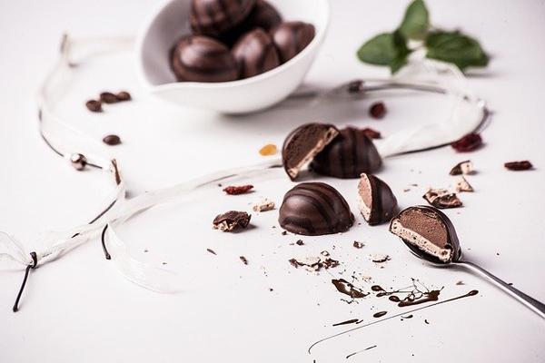 Pralin Çikolata Nedir, Nasıl Yapılır?