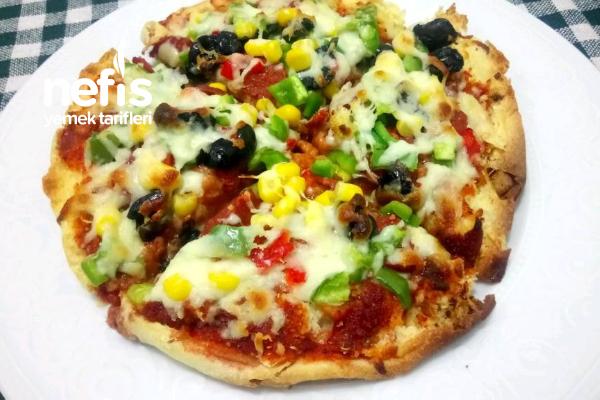 Bazlamadan Pizza Yaptım Tarifi