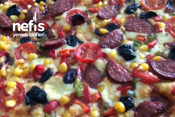 Büyük Boy Tepsi Pizza (Aile Boyu) Tarifi