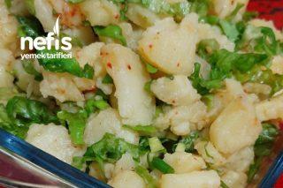 Kolay Patates Salatası (Pratik Lezzetli Ekşili İyiki Var Diyebileceğimiz Bir Salata) Tarifi