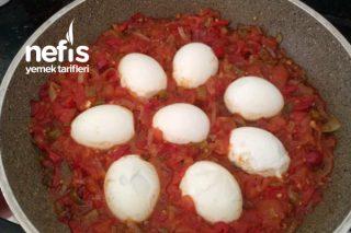 Sebzeli Yumurta Kapama (Kahvaltı İçin Mükemmel Bir Lezzet) Tarifi