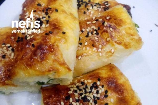 Baklava Yufkasından Peynirli Çıtır Börek Tarifi