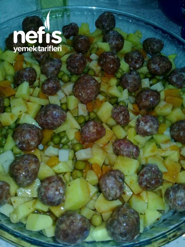 Fırında Patates Köfte (Garnitürlü)