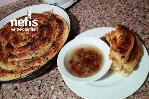 Muhteşem İkili Elmalı Üzüm Hoşafı Ve Kol Böreği Tarifi