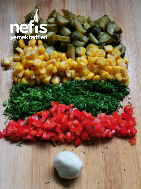 Tadına Doyum Olmayan Tavuklu Makarna Salatası