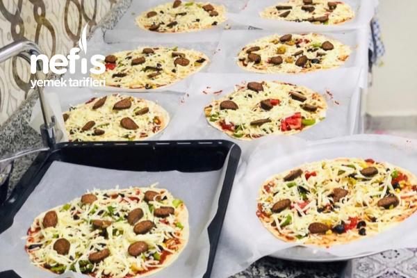 Buzluğa Atmak İçin Bol Pizza (Çıkar Pişir) Tarifi