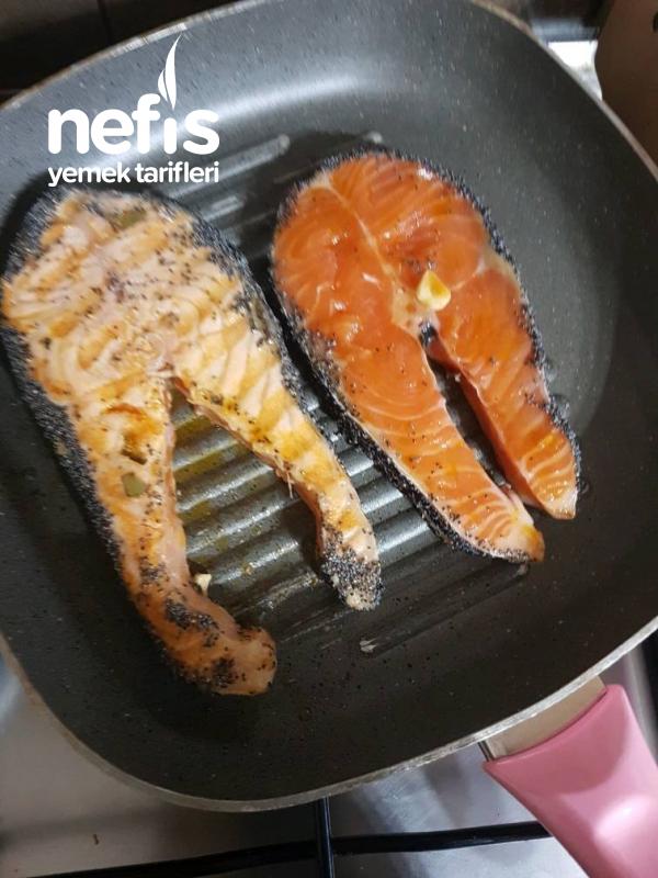 Narenciye Soslu Haşhaşlı Somon Balığı