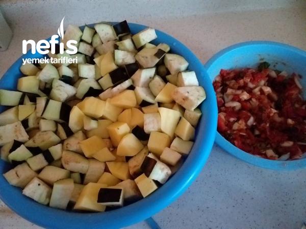 Güveçte Etli Patlıcan Yemeği