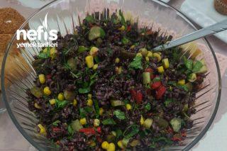 Siyah Pirinç Salatası Tarifi