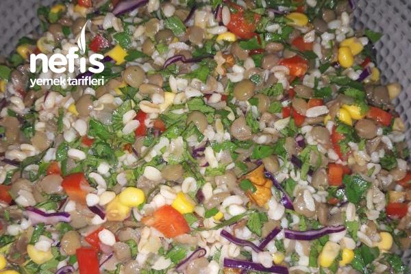 Yeşil Mercimekli Nefis Salata (Altın Günlerinin Vazgeçilmezi Olacak) Tarifi