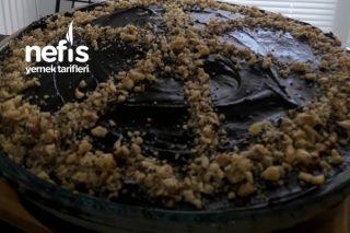 Çikolata Soslu Pastane Usulü Tatlı Tarifi