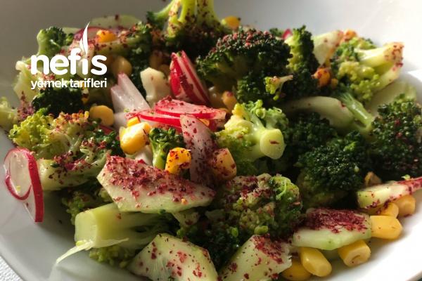 Sumaklı Brokoli Salatası Tarifi