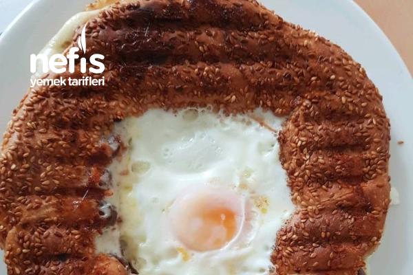 5 Dadika Da Kolay Mı Kolay Tost Makinesinde Yumurtalı Sucuklu Tost Tarifi