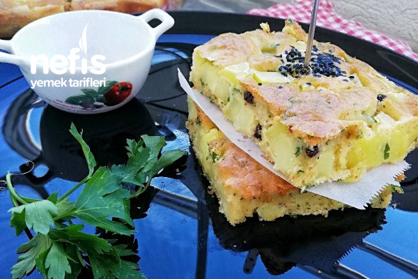 Börek Tadında Patatesli Tuzlu Kek Tarifi