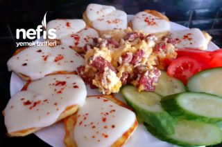Kahvaltıya Enfes Kaşarlı Patates Tarifi