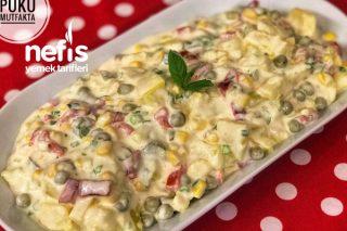Köz Biberli Ve Soslu Enfes Patates Salatası Tarifi