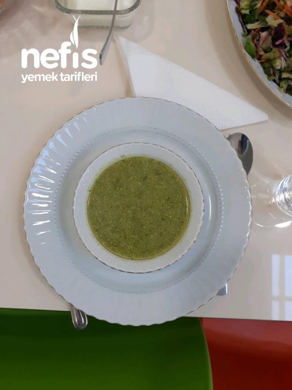 Zerde Çal Ve Dere Otlu Brokoli Çorbası