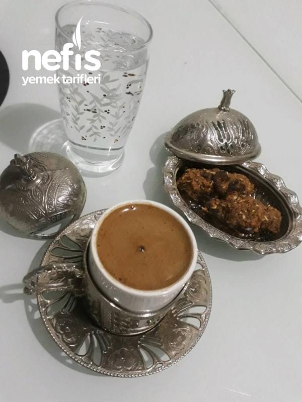 Sağlıklı Kahve Yanı Atıştırmalığı