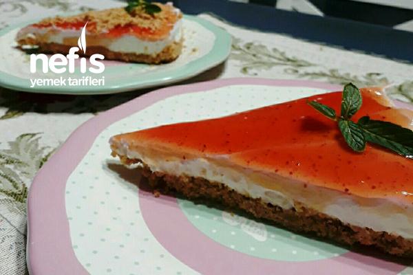 Az Malzemeli Yalancı Cheesecake (Pişirmeden) Tarifi