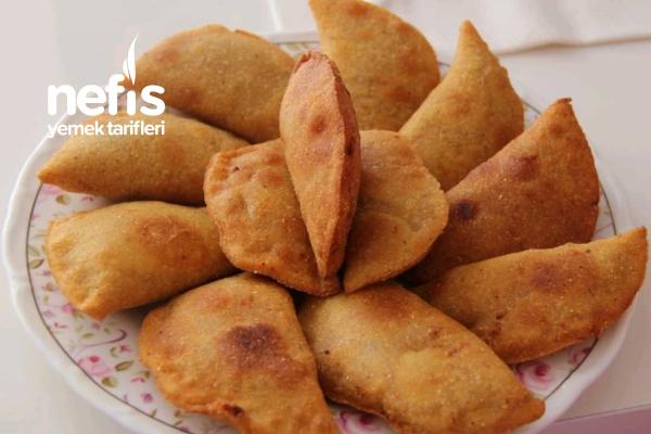 Kolombiya Usulü Mısır Unundan Börek (Empanadas) Tarifi
