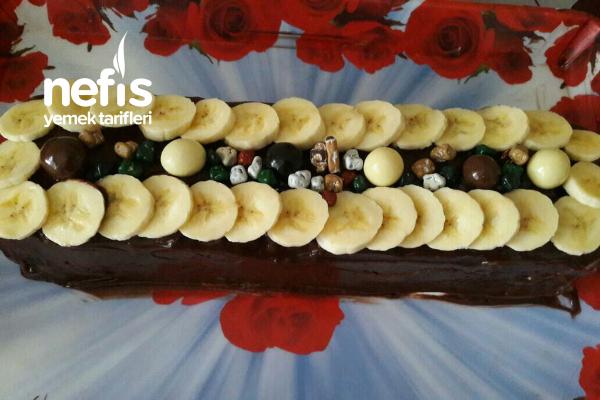 3 Malzeme İle Kolay Bisküvi Pastası Tarifi