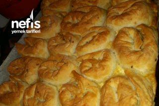 Kremalı Sodalı Ispanaklı Börek Tarifi