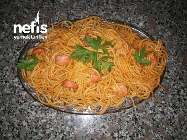 Sosisli Spagetti
