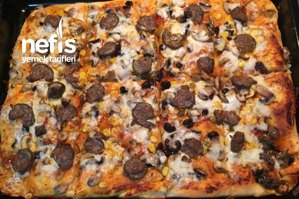 Karışık Tepsi Pizzam Tarifi