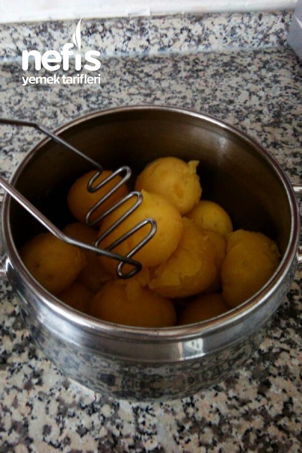 Üç Katlı Patates Püresi