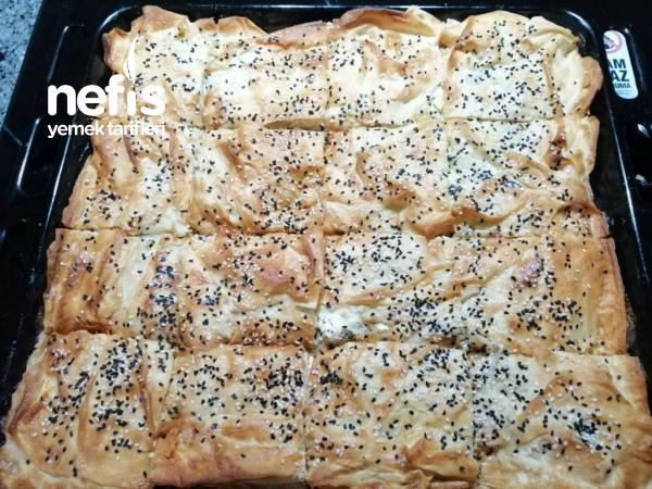 Fırında Peynirli Börek