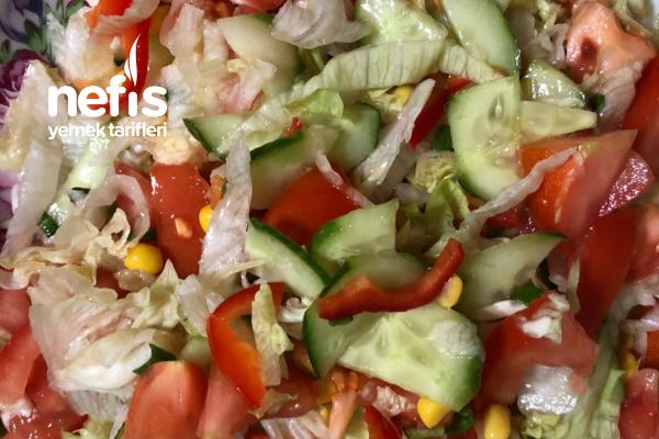 Mısırlı Mevsim Salatası Tarifi