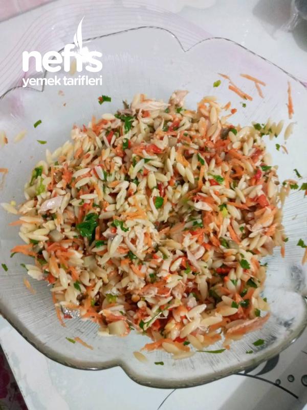 Tavuklu Şeriye Salatası