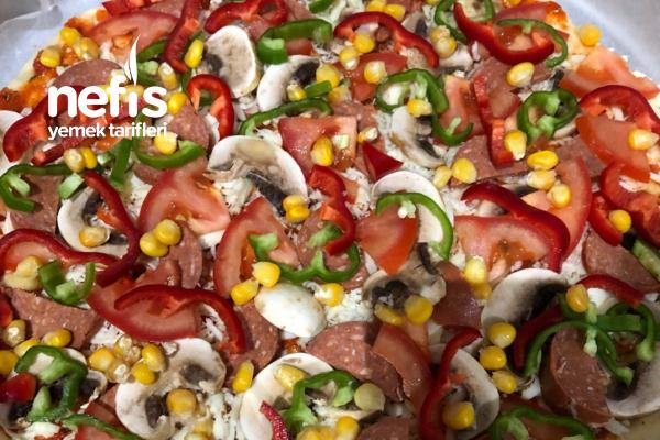 Karışık Pizza (Dondurucuda Saklamalık) Tarifi