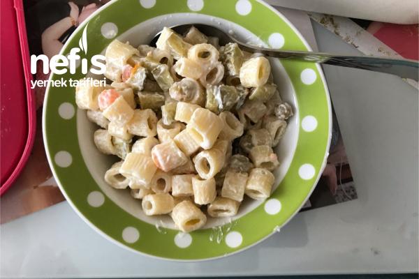 Gelen Misafirlere Hemencik Makarna Salatası Tarifi