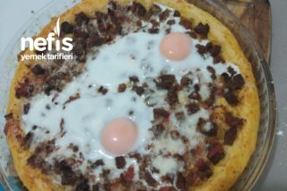 Kavurmalı Yumurtalı Pide Tarifi