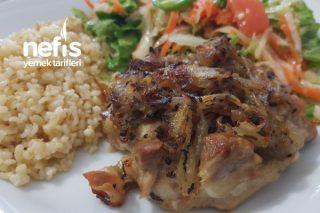 Karamalize Soğanlı Tavuk Tarifi
